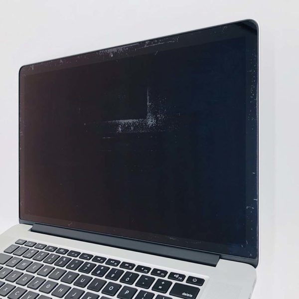 "7111_9590-600x600 Apple MacBook Pro 15.4"" Retina intel® Quad-Core i7 2.5GHz Mid 2014 (Ricondizionato)"