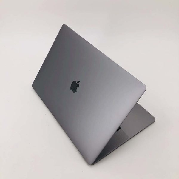 "7112_0146-600x600 Apple MacBook Pro 15.4"" Retina TouchBar Grigio Siderale intel® Six-Core i7 2.6GHz 2018 (Ricondizionato)"