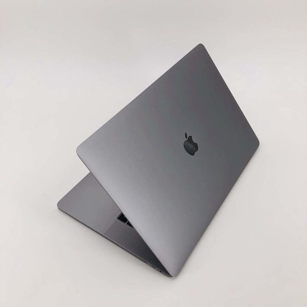 "7122_1089-600x600 Apple MacBook Pro 15.4"" Retina TouchBar Grigio Siderale intel® Six-Core i7 2.2GHz 2018 (Ricondizionato)"