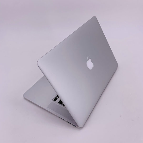 "7238_4346-600x600 Apple MacBook Pro 15.4"" Retina intel® Quad-Core i7 2.2GHz Mid 2015 (Ricondizionato)"