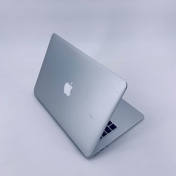 "7274_4757-600x600 Apple MacBook Air 13.3"" intel® Dual-Core i5 1.6GHz Early 2015 (Ricondizionato)"