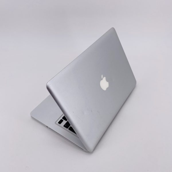 "7388_4496-600x600 Apple MacBook Pro 13.3"" intel® Core 2 Duo 2.4GHz Mid 2010 (Ricondizionato)"