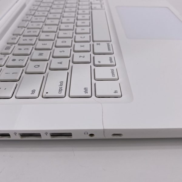 "7393_4667-600x600 Apple MacBook 13.3"" intel® Core 2 Duo 2.4GHz Mid 2010 (Ricondizionato)"